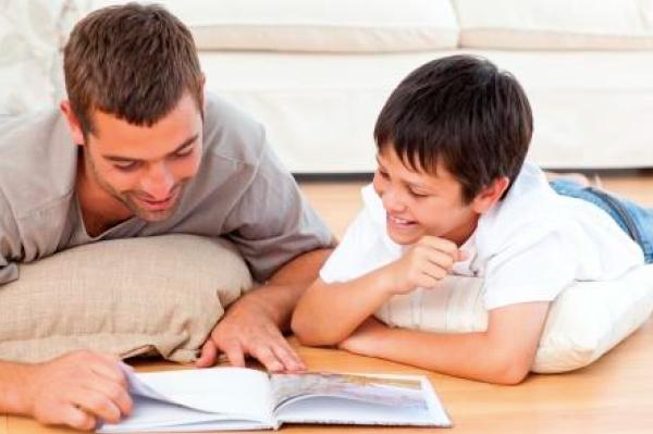 خواندن برای بهبود هوش کلامی و زبانی